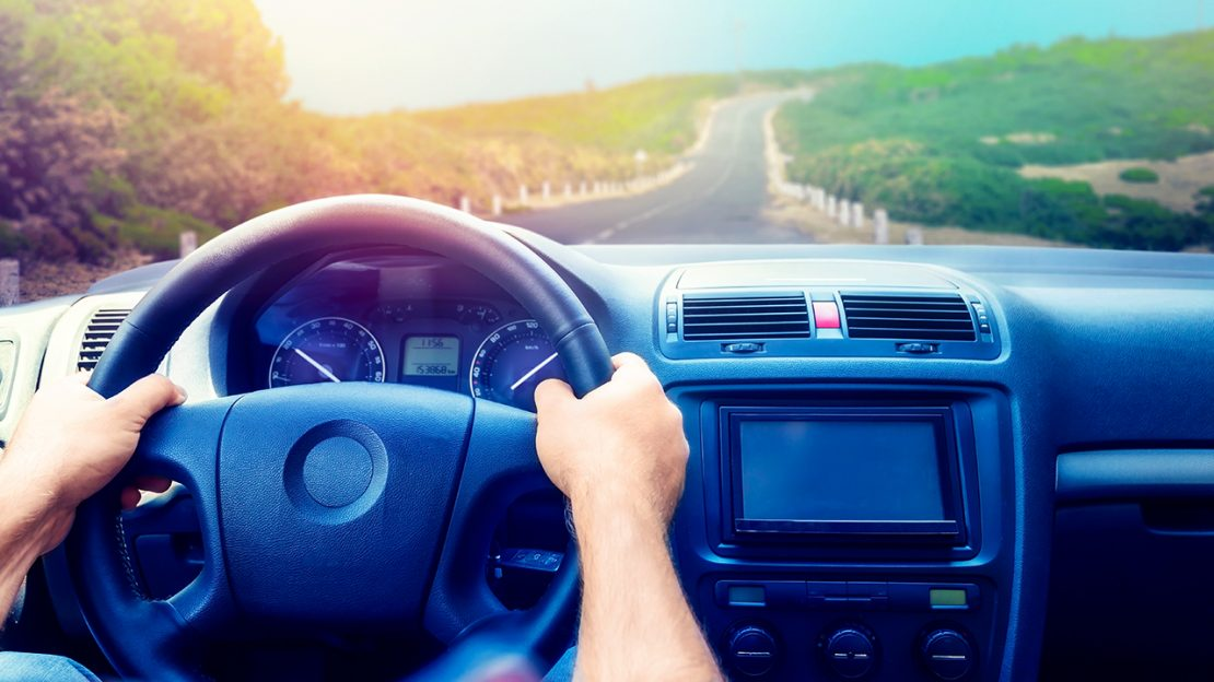 5 Ways a GPS Location Tracking Device Can Monitor the Safety of Drivers