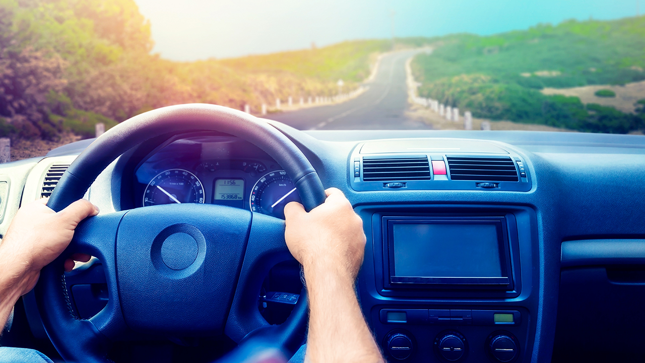 """Featured image for """"5 Ways a GPS Location Tracking Device Can Monitor the Safety of Drivers"""""""